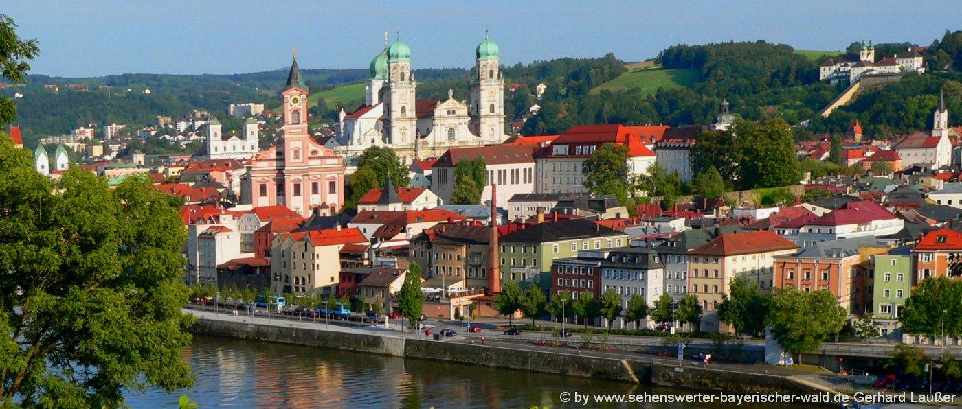 Top Ausflugsziele rund um das Selbstversorgerhaus in Bayern: die Dreiflüssestadt Passau mit vielen Sehenswürdigkeiten